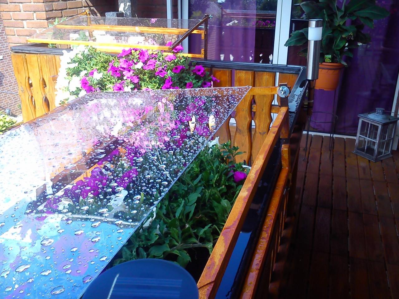 Balkonblumen überdachung
