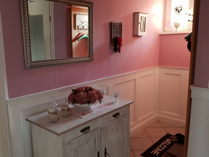 wandverkleidung im englischen stil wainscouting. Black Bedroom Furniture Sets. Home Design Ideas