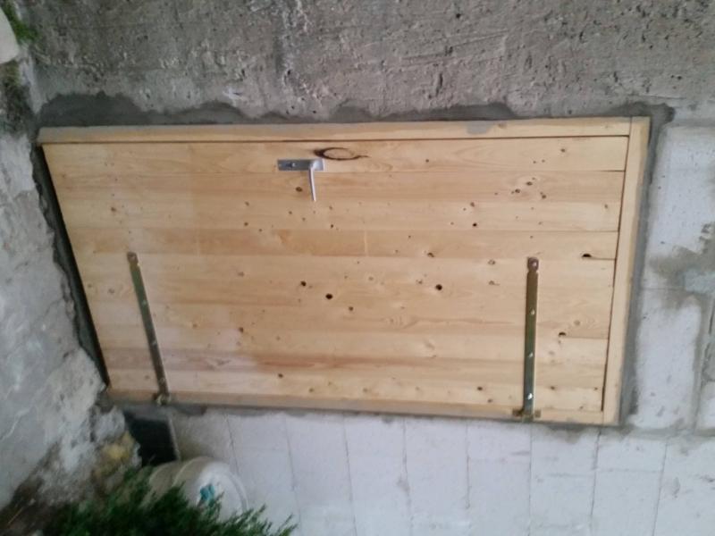 Holztür mit Rahmen für\'s Stallgebäude - Bauanleitung zum Selberbauen ...