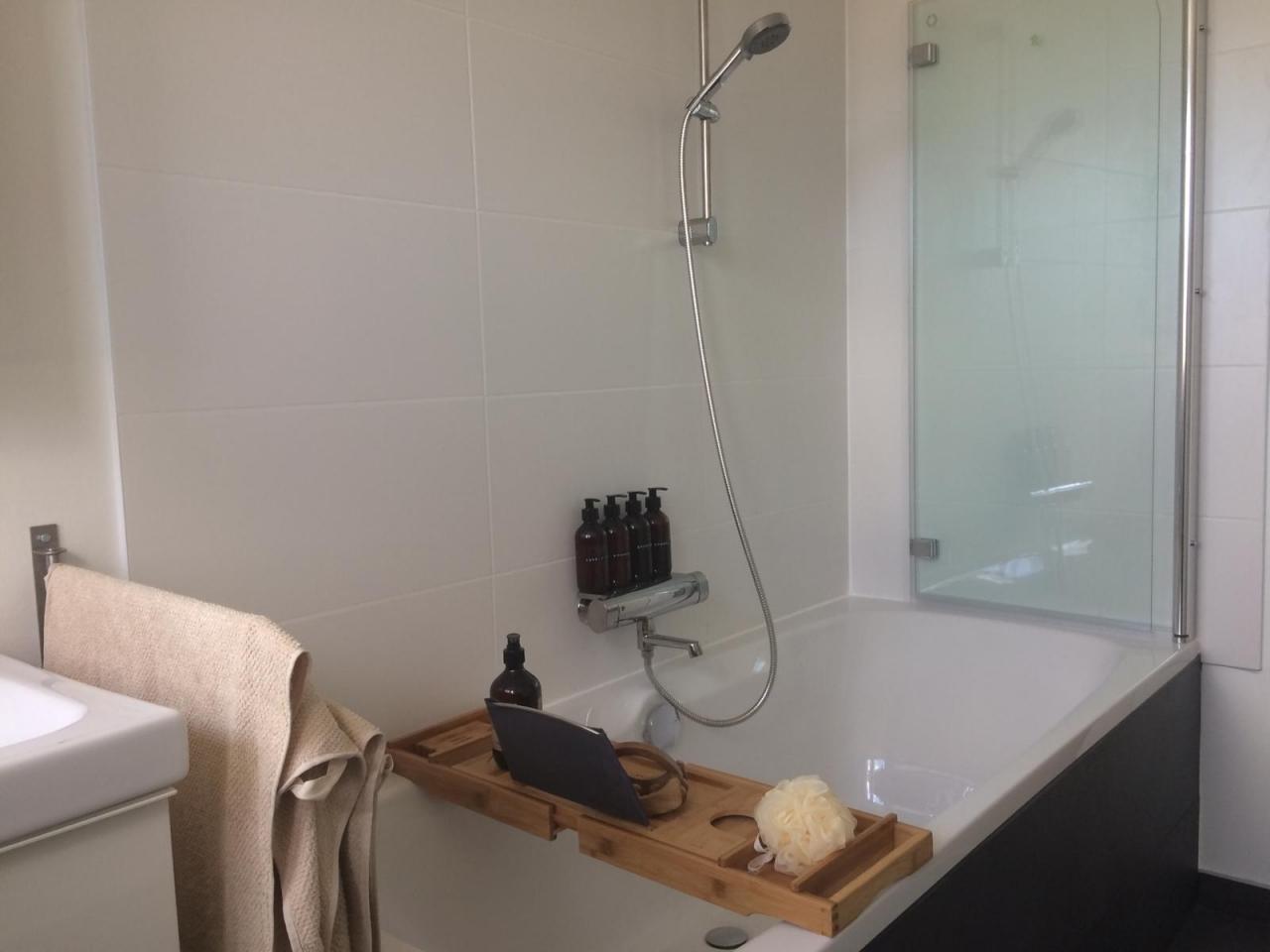 Badezimmersanierung - Aus Uralt mach modern - Bauanleitung zum Klein