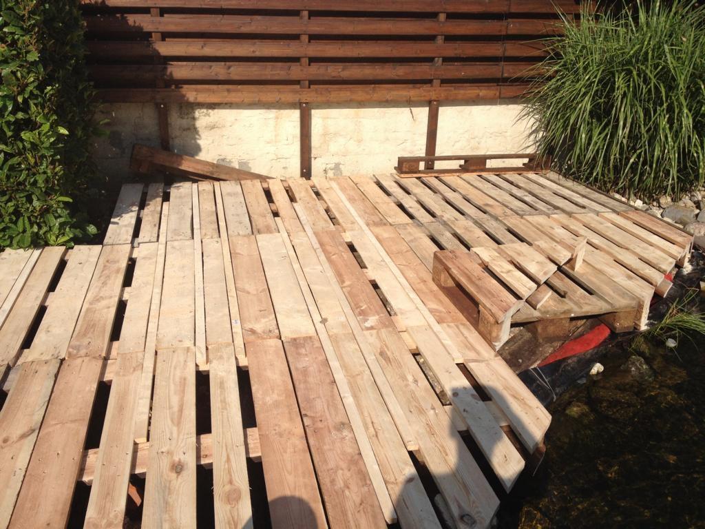 Fußboden Aus Alten Paletten ~ Terrasse aus europaletten bauanleitung zum selberbauen do