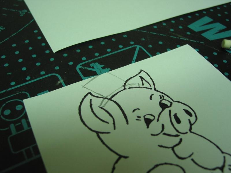 in der bildbearbeitung habe ich die ohren und die kleeblatter weggeschnitten und die fehlenden stellen in der vorlage dann nachgezeichnet