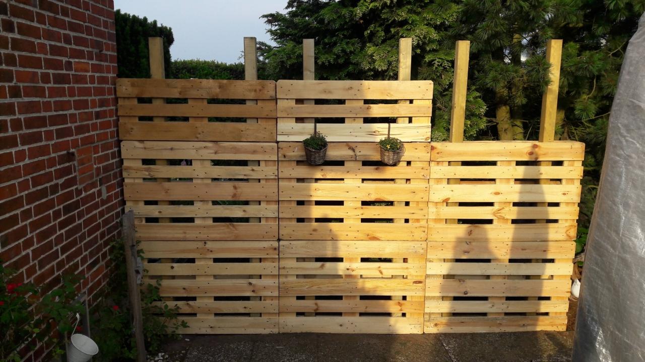 Paletten Recycling Sichtschutz Bauanleitung Zum Selberbauen 1