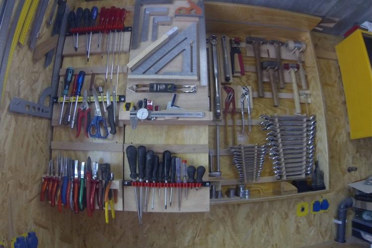 schrank f r handwerkzeuge bauanleitung zum selberbauen 1 2 deine heimwerker community. Black Bedroom Furniture Sets. Home Design Ideas