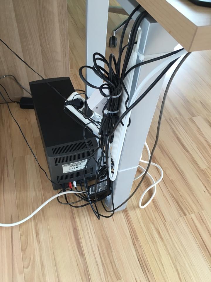 Smarte Kabelbox Fur Ordnung Am Schreibtisch Bauanleitung Zum