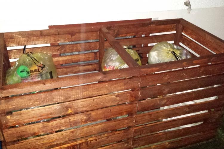 Holzbox Zur Aufbewarung Von Gelben Sacke