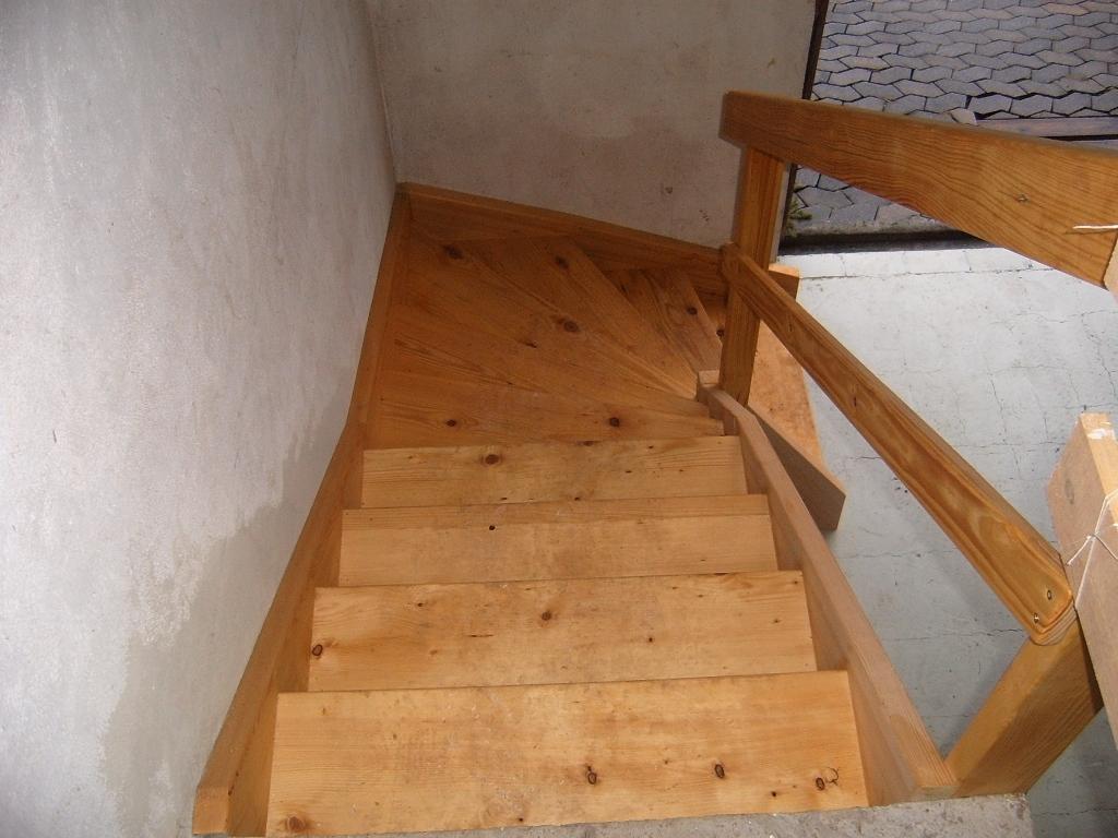 1 4 gewendelte treppe mit podest