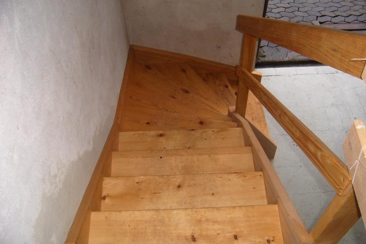 1 4 gewendelte treppe bauanleitung zum selberbauen 1 2 deine heimwerker community. Black Bedroom Furniture Sets. Home Design Ideas