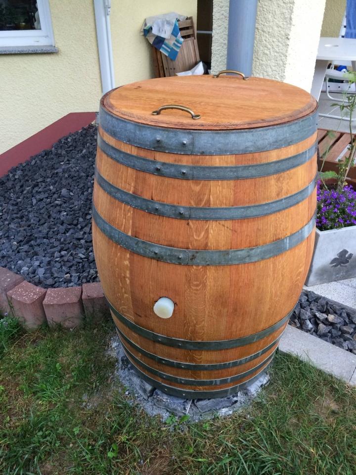 Weinfass Als Regentonne