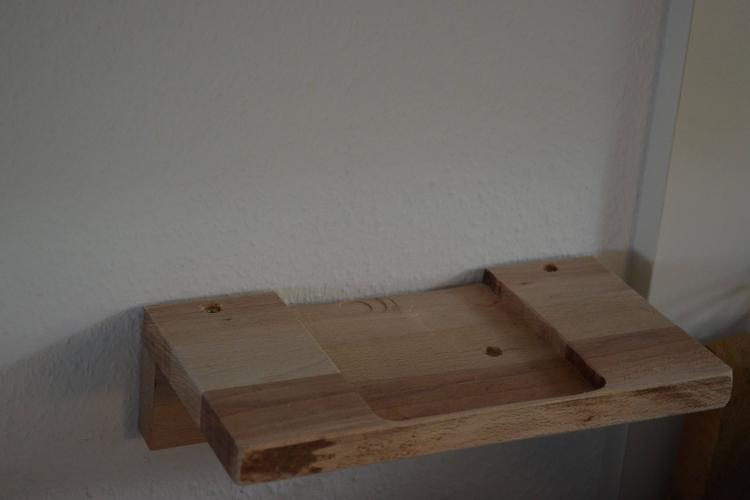 holz ablage f r tablet smartphone ladestation bauanleitung zum selberbauen 1 2. Black Bedroom Furniture Sets. Home Design Ideas