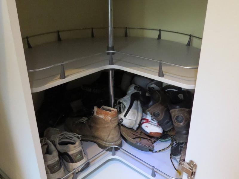 riesiger eckschrank f r die vorratskammer bauanleitung zum selberbauen 1 2 deine. Black Bedroom Furniture Sets. Home Design Ideas