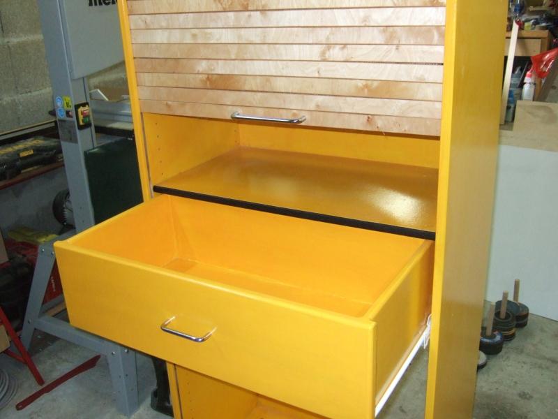 schrank mit rollos zur aufbewahrung von farben bauanleitung zum selberbauen 1 2. Black Bedroom Furniture Sets. Home Design Ideas