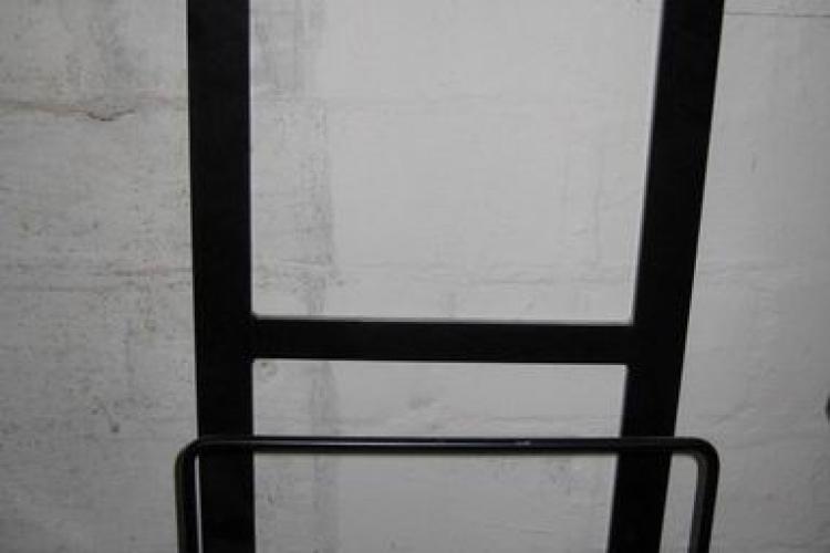 downcycling wandhalterung f r den werktisch bosch pwb 600 bauanleitung zum selberbauen 1 2. Black Bedroom Furniture Sets. Home Design Ideas