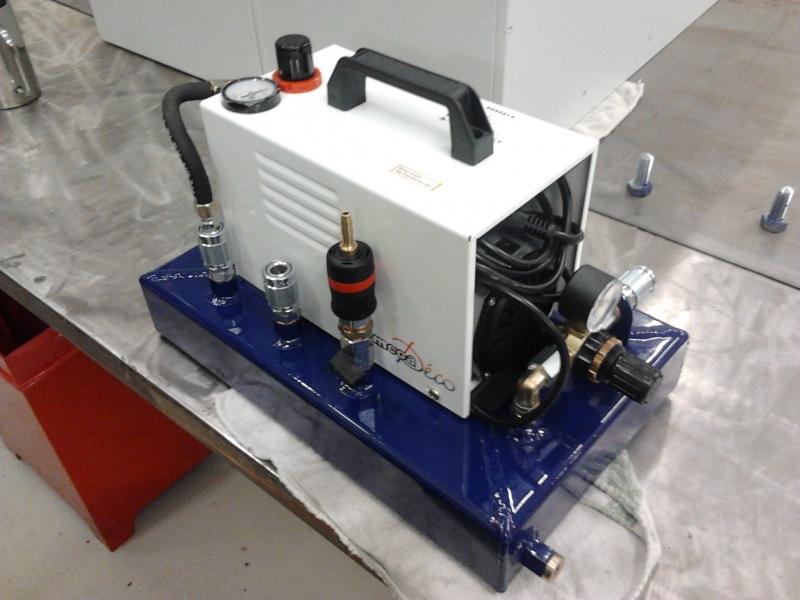 Relativ Airbrushkompressor kampfwertgesteigert - Bauanleitung zum SD18