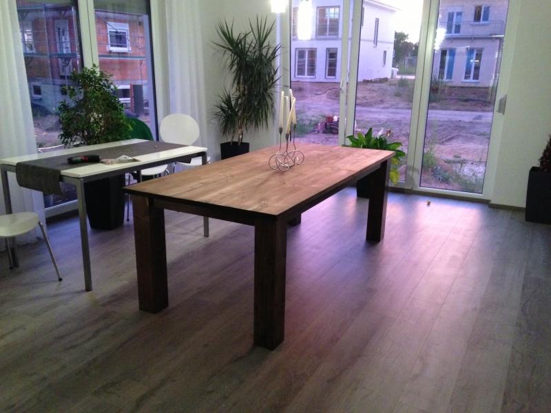Holztisch massiv selber bauen  Mein massiver Holztisch - Bauanleitung zum Selberbauen - 1-2-do.com ...