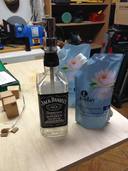 jack daniels flasche leer