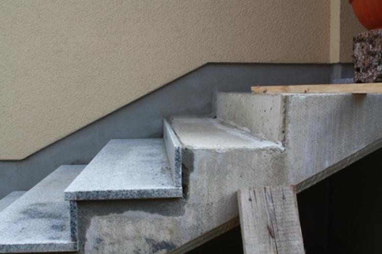 treppe mit granitplatten belegen bauanleitung zum selberbauen 1 2 deine heimwerker. Black Bedroom Furniture Sets. Home Design Ideas