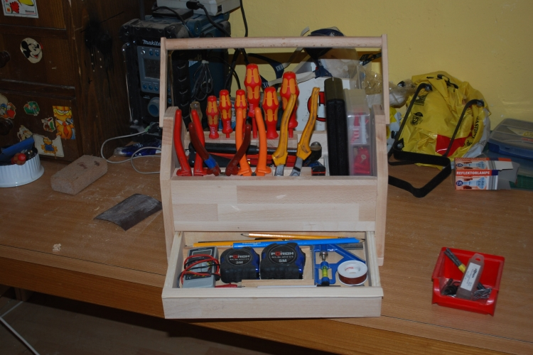 Fabulous Werkzeugkiste mit Schublade. - Bauanleitung zum Selberbauen - 1-2 EC29