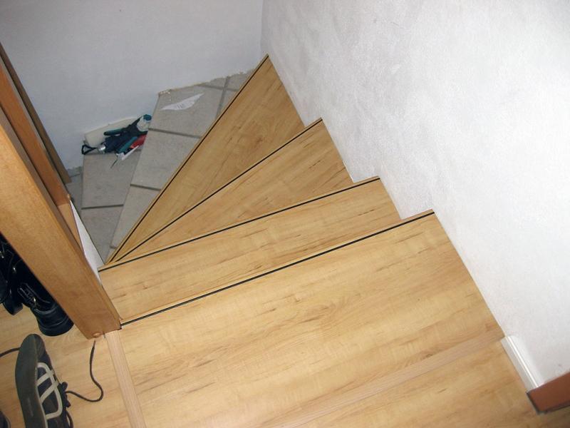 Treppe Sanieren Alt Fliesen Neu Laminat Treppensystem