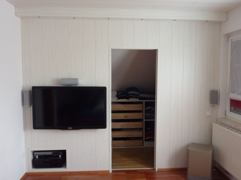 begehbarer kleiderschrank tv audiowand bauanleitung zum selberbauen 1 2 deine. Black Bedroom Furniture Sets. Home Design Ideas