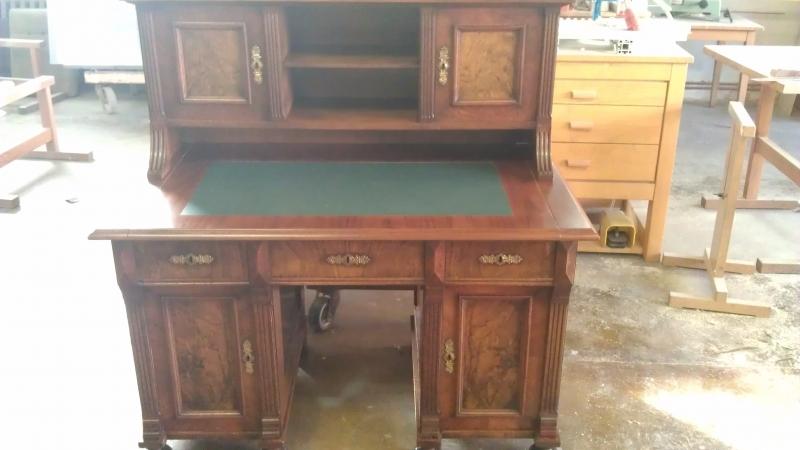 Restaurierung: antiker Sekretär / Schreibtisch ...