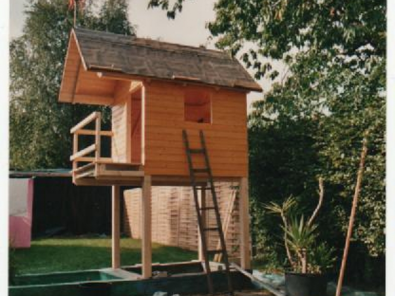 baumhaus selber bauen ohne baum wohn design. Black Bedroom Furniture Sets. Home Design Ideas