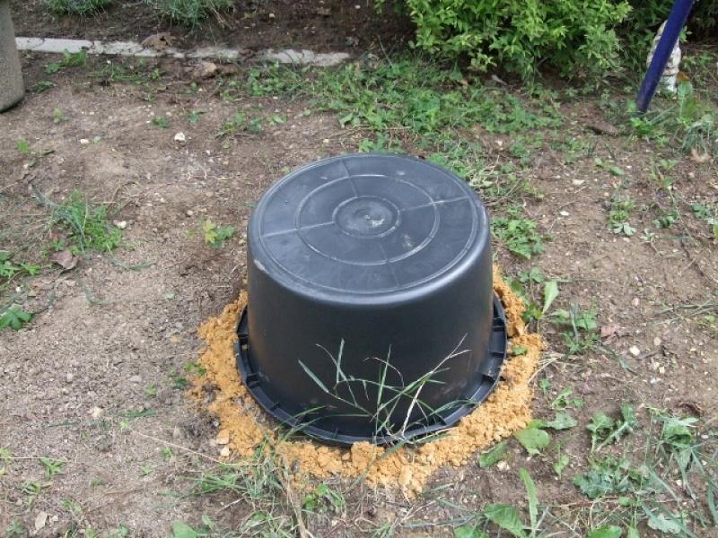 Wasserspiel Im Garten Eingebaut; Maß Genommen