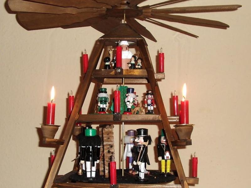 weihnachtspyramide bauanleitung zum selberbauen 1 2 deine heimwerker community. Black Bedroom Furniture Sets. Home Design Ideas