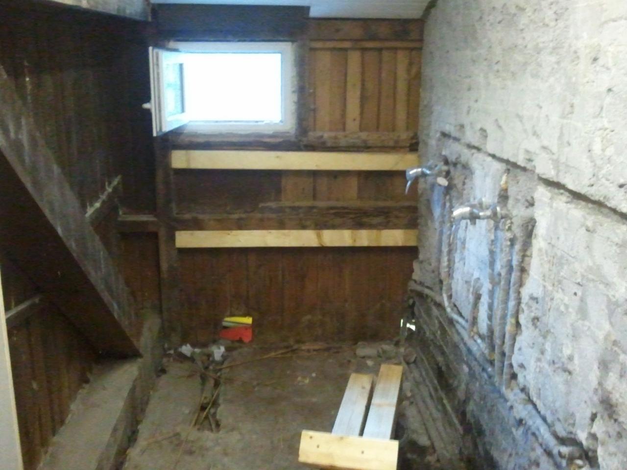 Renovierung eines Duschraums in einem Holz Fachwerkhaus ...