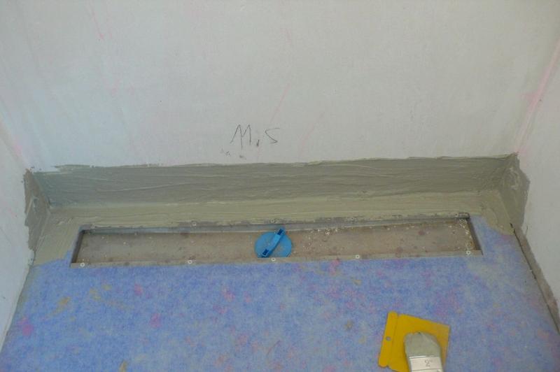 Bodengleiche dusche einbauen bauanleitung zum selberbauen 1 2 deine heimwerker - Fliesen verfugen trockenzeit ...