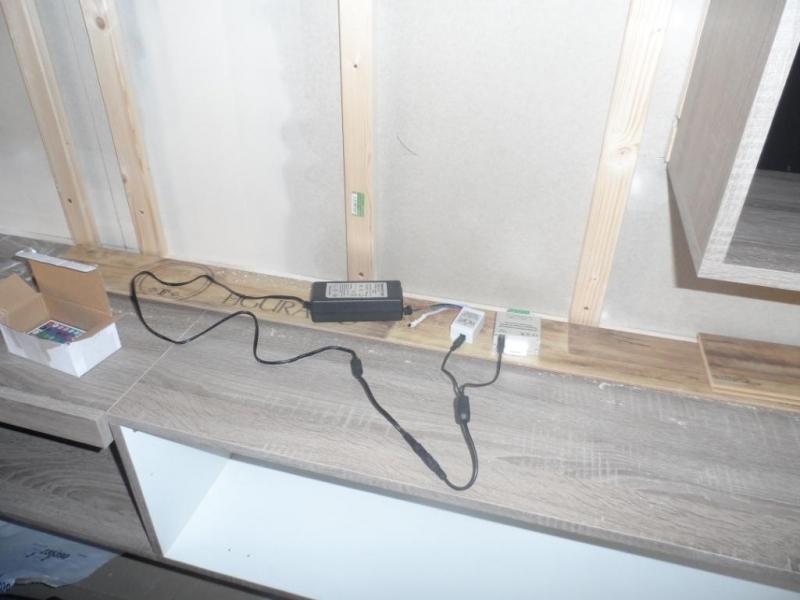 tv wand inkl indirekter beleuchtung bauanleitung zum selberbauen 1 2 deine. Black Bedroom Furniture Sets. Home Design Ideas