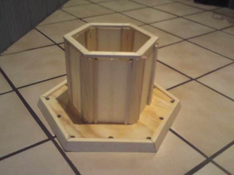 leuchtturm aus resten von leisten brettern alten. Black Bedroom Furniture Sets. Home Design Ideas
